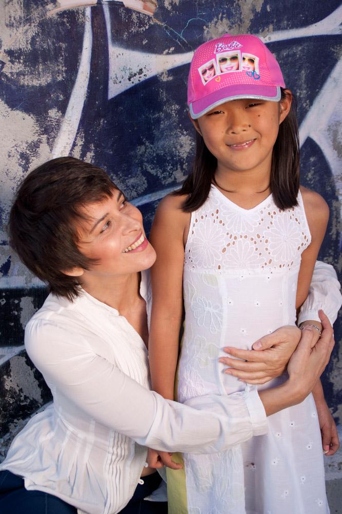 Silvana_5_posando-con-niña_mjbolboreta.es
